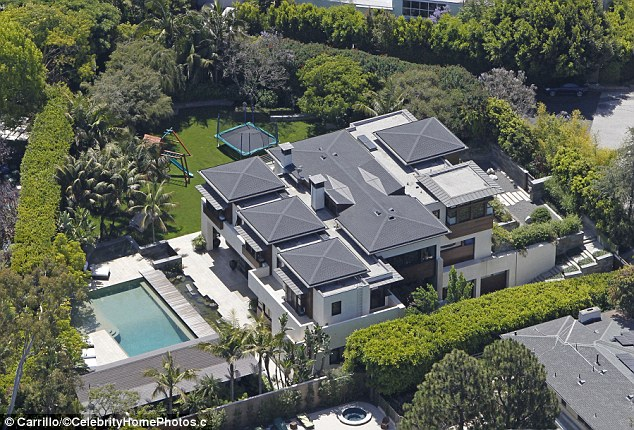 17 of the most insane celebrity houses bill gates home. Black Bedroom Furniture Sets. Home Design Ideas