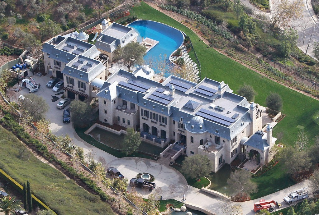 17 of the Most Insane Celebrity Houses. Bill Gates' Home ...