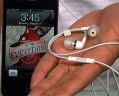 AppleHeadphones
