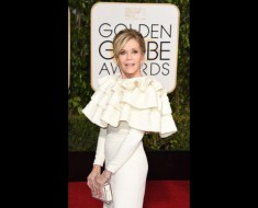 160110201637-golden-globes-red-carpet-2016---jane-fonda-super-169