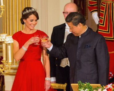 Chinese President state visit - Day One. Chinese President Xi Jinping with the Duchess of Cambridge at a state banquet at Buckingham Palace, London, during the first day of his state visit to the UK. Picture date: Tuesday October 20, 2015. See PA story ROYAL China. Photo credit should read: Dominic Lipinski/PA Wire URN:24492759
