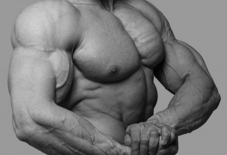 Anthony D'Arezzo was a bodybuilder who participated in several competitions and made a name for himself as a result of his imposing physique. In 2006, on the eve of a competition he was participating in, he was found dead in his hotel room. His death was attributed to his extensive use of steroids, which he relied on to achieve his large build.