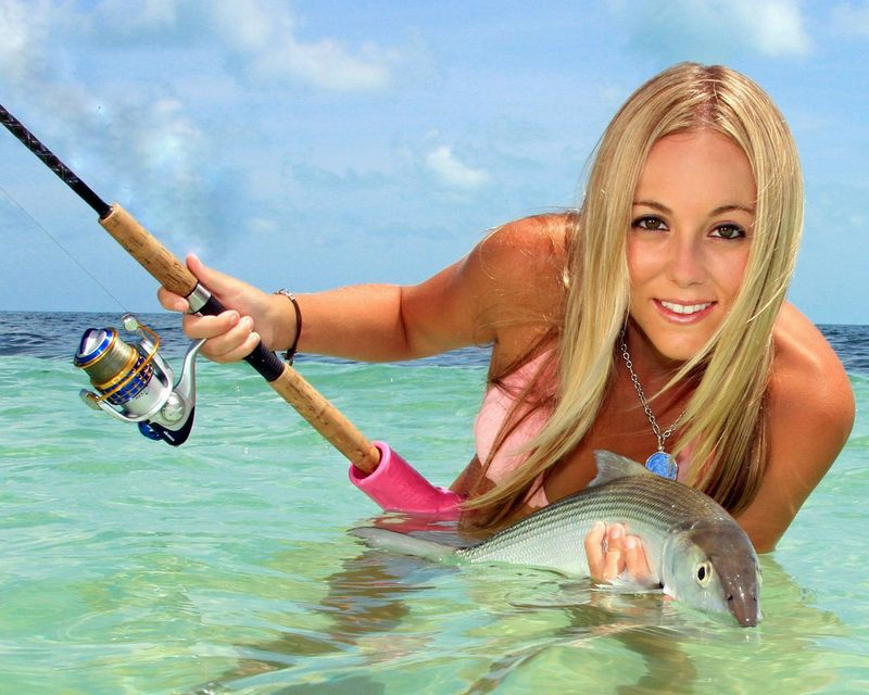 Hot babes fishing page 32 of 40 poplyft for Sexy girls fishing