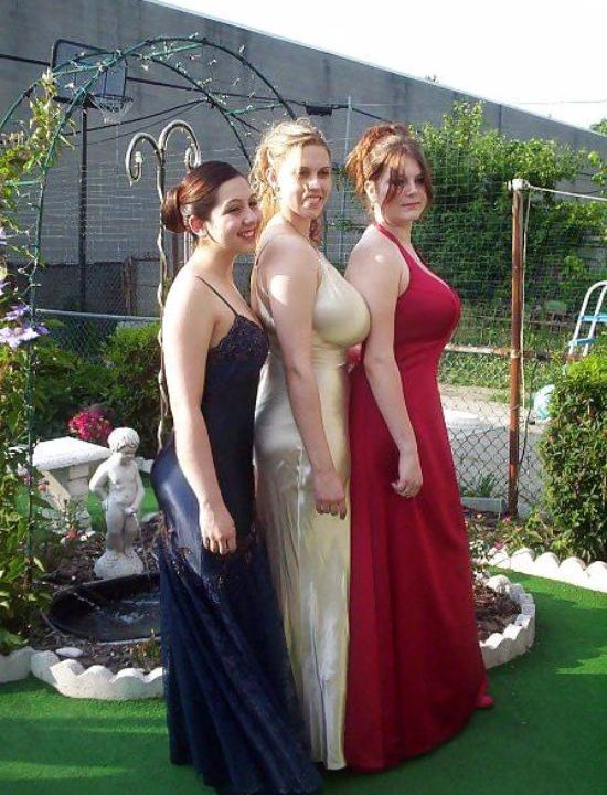 27 Photos That Would Ruin Your Wedding Album